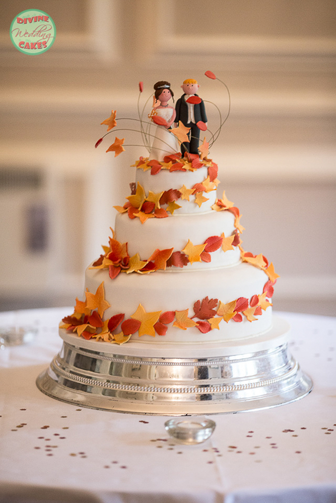 autumn theme wedding cake with sugar leaves