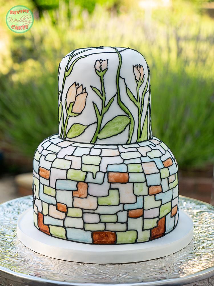 Fondant iced Art Deco style cake