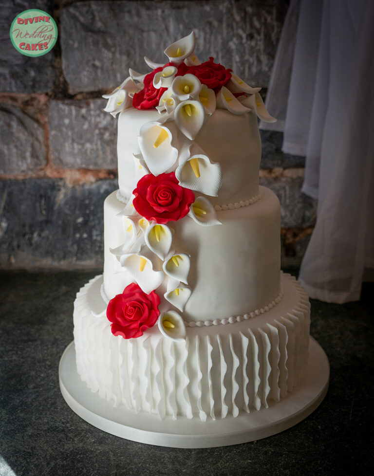 Fondant iced cake with sugar roses and Calla lilies